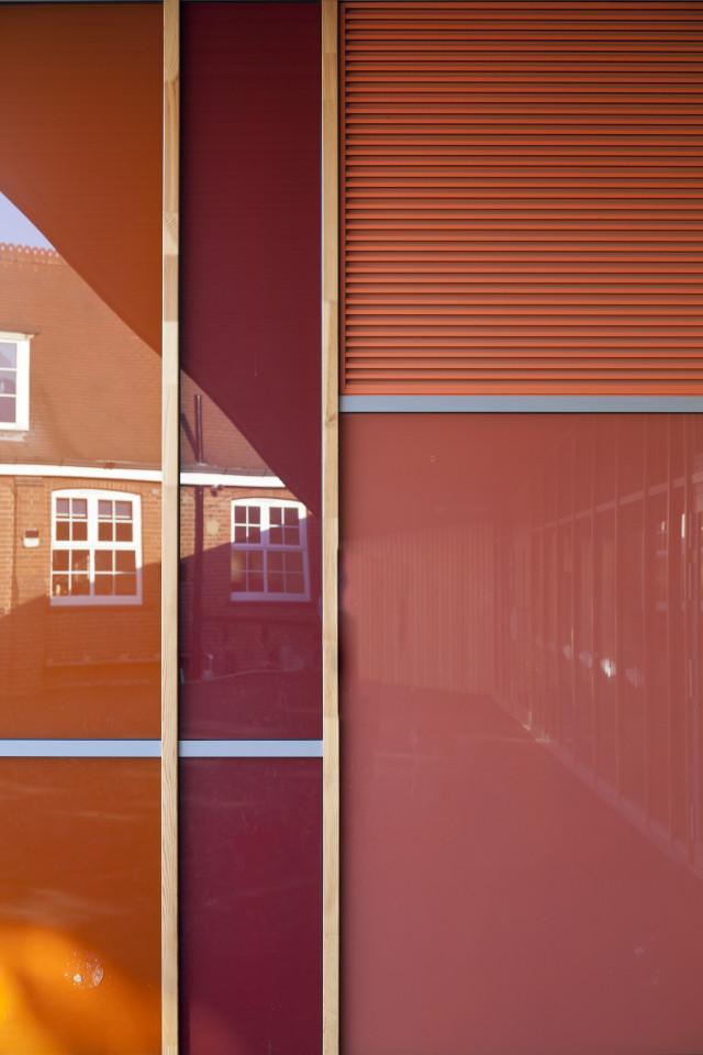 Glazing detail
